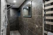 Фото 32 Полотенцесушитель для ванной: 65+ стильных вариантов для интерьера и советы дизайнеров