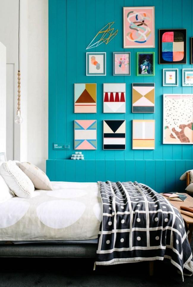 Мини галерея из постеров с простыми геометрическими рисунками