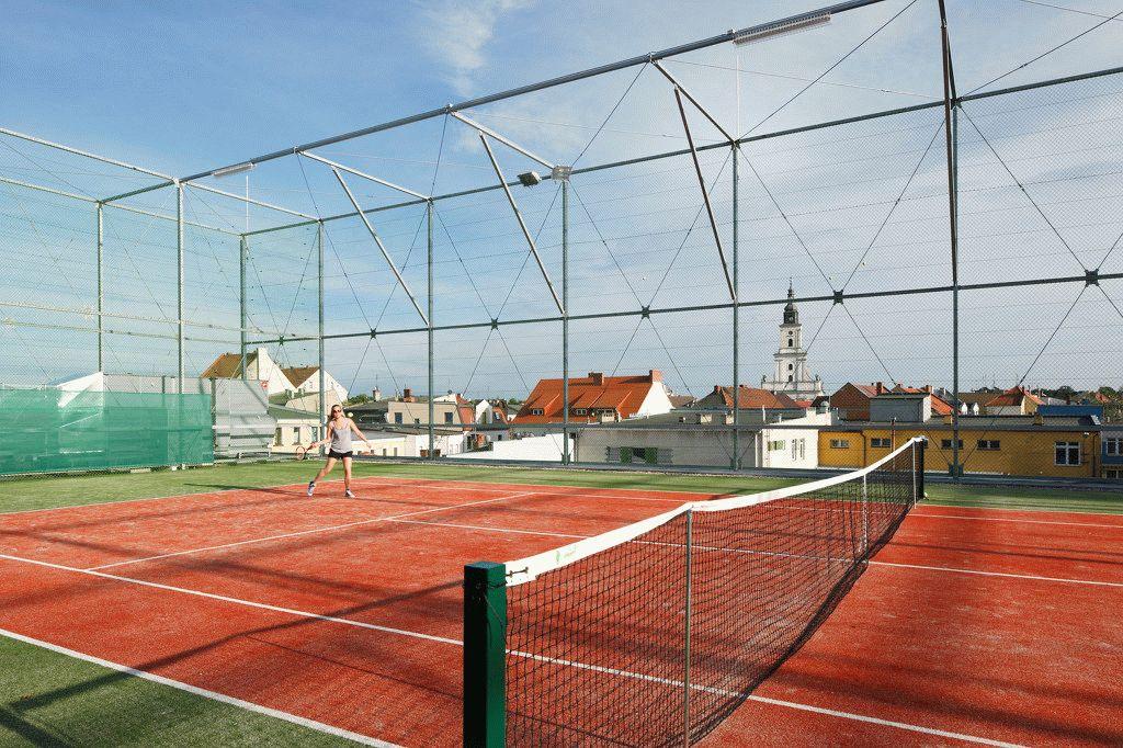 Теннисный корт, оборудованный на крыше