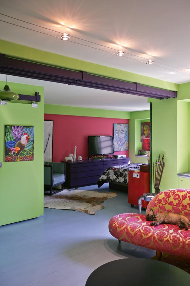 Эпатажный интерьер созданный с доминированием фисташкового цвета, очень понравится, например, коллекционерам современного искусства и творческим особам