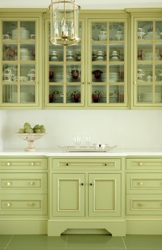 Фисташковый цвет - природный и гурманский, поэтому очень подходит для оформления кухни