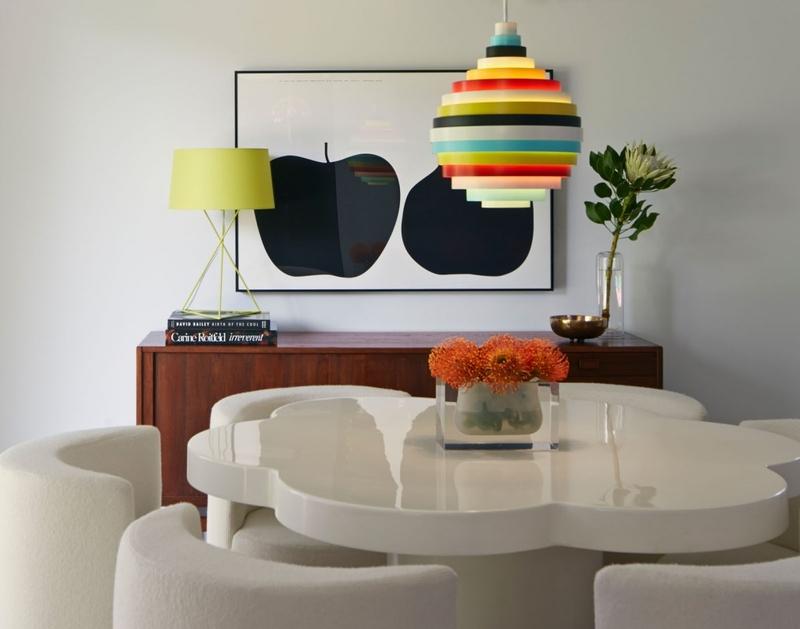 Выберите настольную лампу с вниманием - и она будет заметным, стильным украшением вашего жилища, даже когда не используется по назначению и выключена