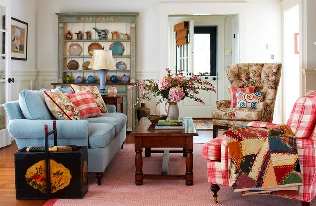 Пэчворк - элемент декора, привносящий тепло и уют в строгий традиционный интерьер