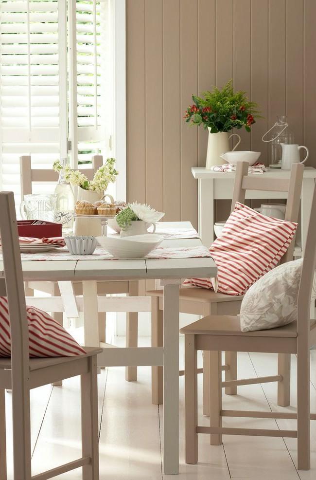 Панели пастельных оттенков придадут уюта вашей кухне