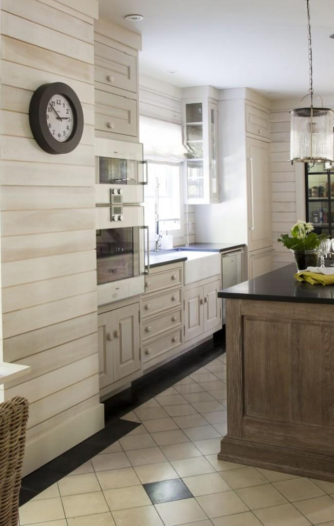 Стеновые деревянные панели с мягкой кремовой текстурой