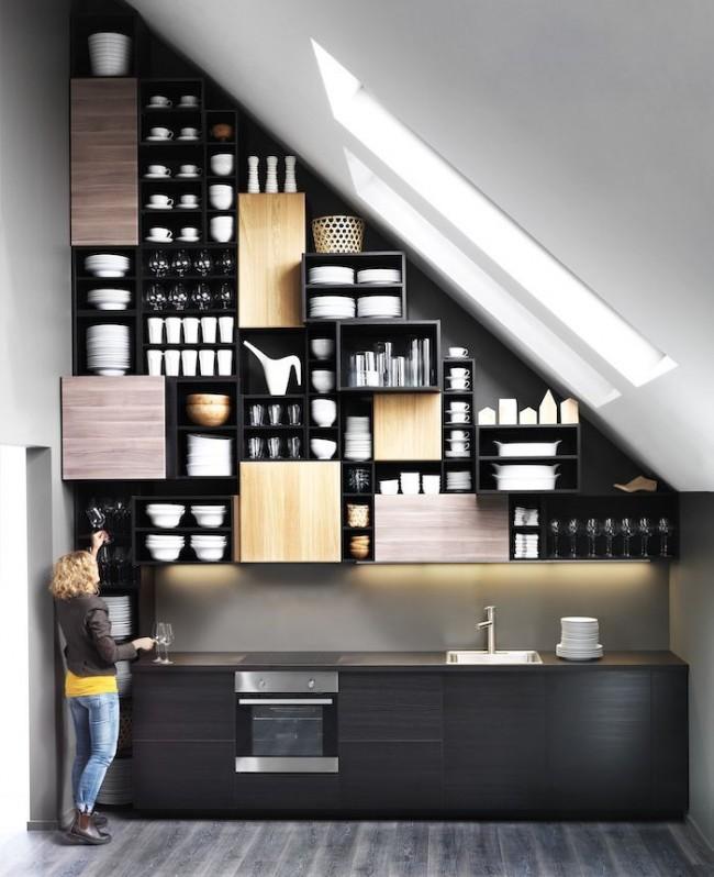 Мансардный этаж. Очень высокий свод крыши можно использовать как основу для нестандартных решений в проектировании мебели