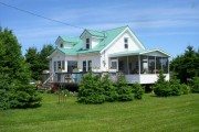 Фото 29 Чем покрасить деревянный дом снаружи: защита и привлекательность (55 фото)