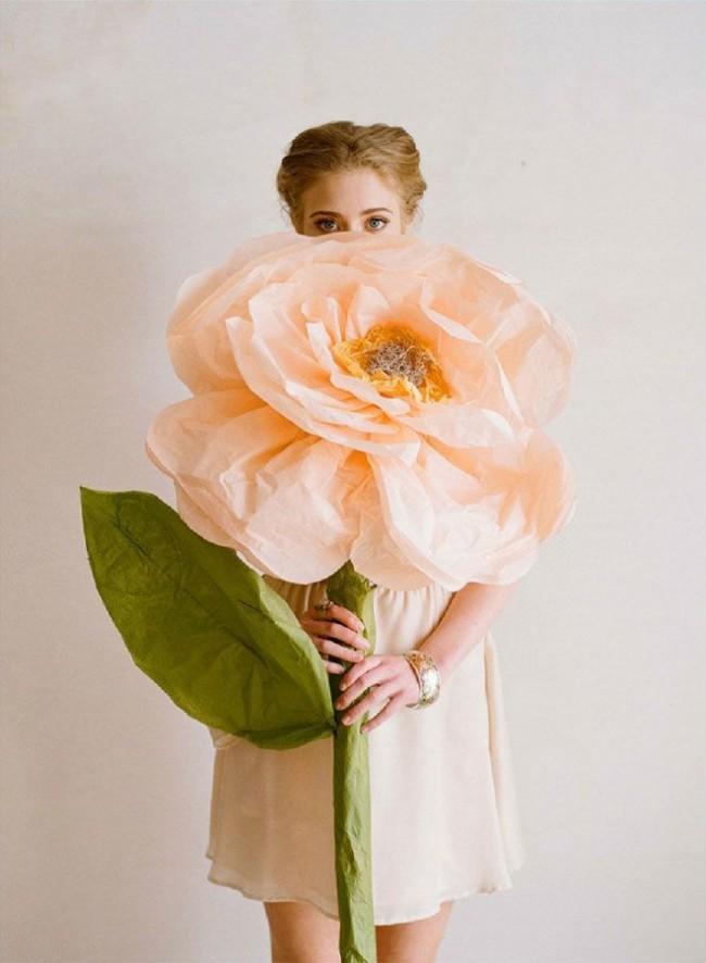 Огромные бумажные цветы - невероятно красиво и очень оригинально