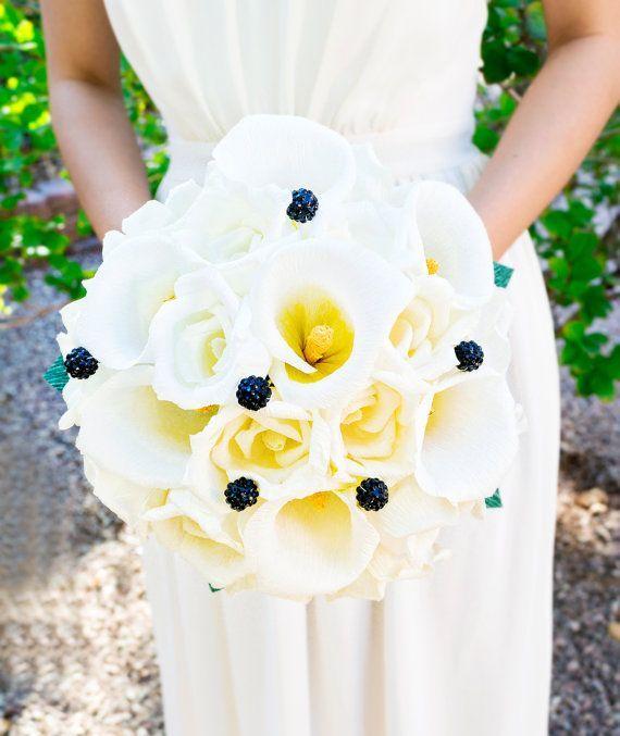 Прекрасные нежные каллы из бумаги в свадебном букете