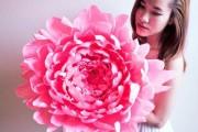 Фото 8 Цветы из гофрированной бумаги своими руками: лучшие мастер-классы и советы по декору