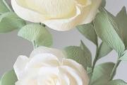 Фото 12 Цветы из гофрированной бумаги своими руками: лучшие мастер-классы и советы по декору