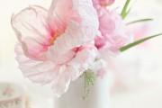 Фото 19 Цветы из гофрированной бумаги своими руками: лучшие мастер-классы и советы по декору