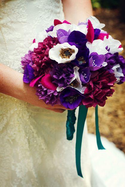 Простые цветы из гофрированной бумаги своими руками