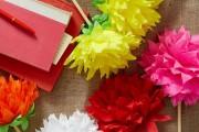 Фото 42 Цветы из гофрированной бумаги своими руками: лучшие мастер-классы и советы по декору