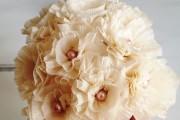 Фото 44 Цветы из гофрированной бумаги своими руками: лучшие мастер-классы и советы по декору