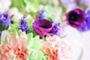 Фото 3 Цветы из гофрированной бумаги своими руками: лучшие мастер-классы и советы по декору