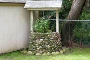 Фото 7 Декоративный колодец на даче своими руками (57 фото): стили, конструкции, материалы