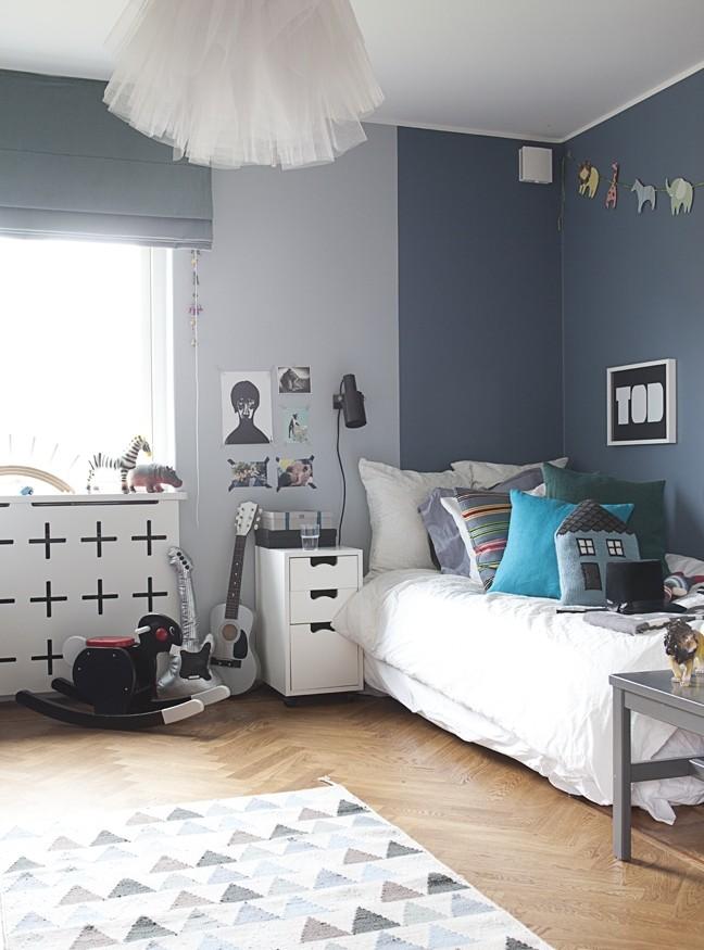 Цвет экрана для радиатора зачастую подбирают под цвет мебели