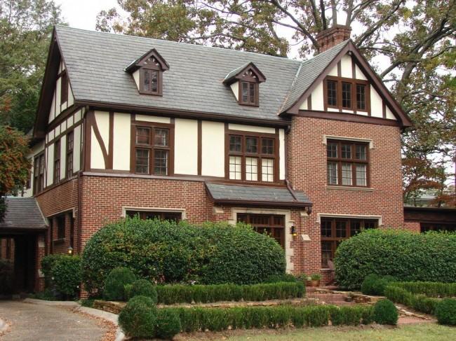 Горизонтальные, вертикальные и диагональные брусья являются главной особенностью архитектурного стиля фахверк