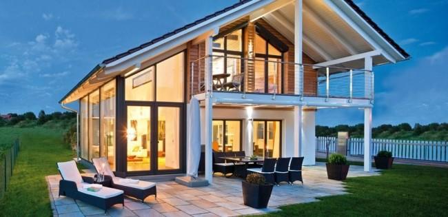Прекрасный и уютный дом в стиле фахверк