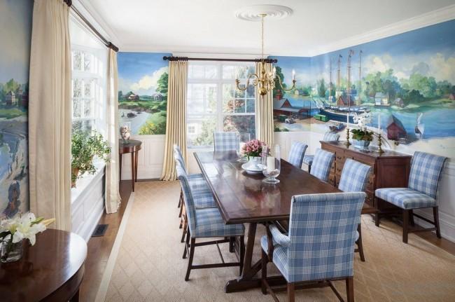 Изображение и цвета фрески в гостиной подчеркивают вкус и достаток хозяев дома