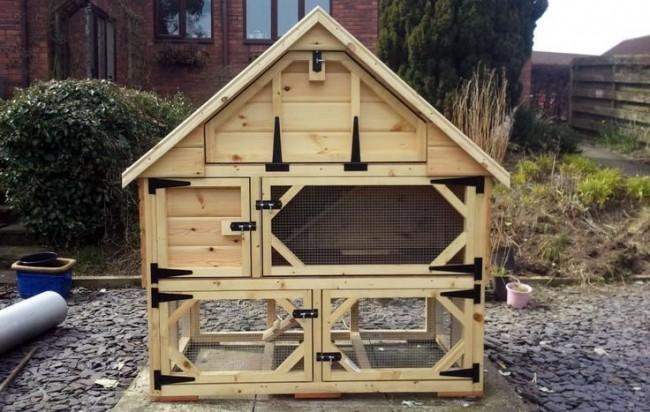Трехэтажный домик для кроличьего семейства