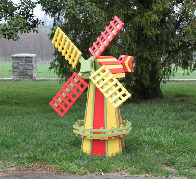 Яркая декоративная мельница - украшение вашего дачного учатка