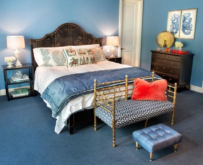 Диптих в синей спальне с изображением осьминога синего цвета