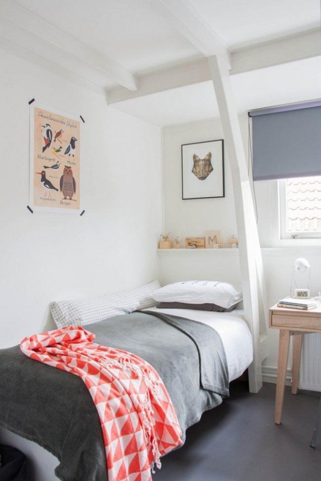 Односпальная кровать поможет сэкономить пространство в комнате