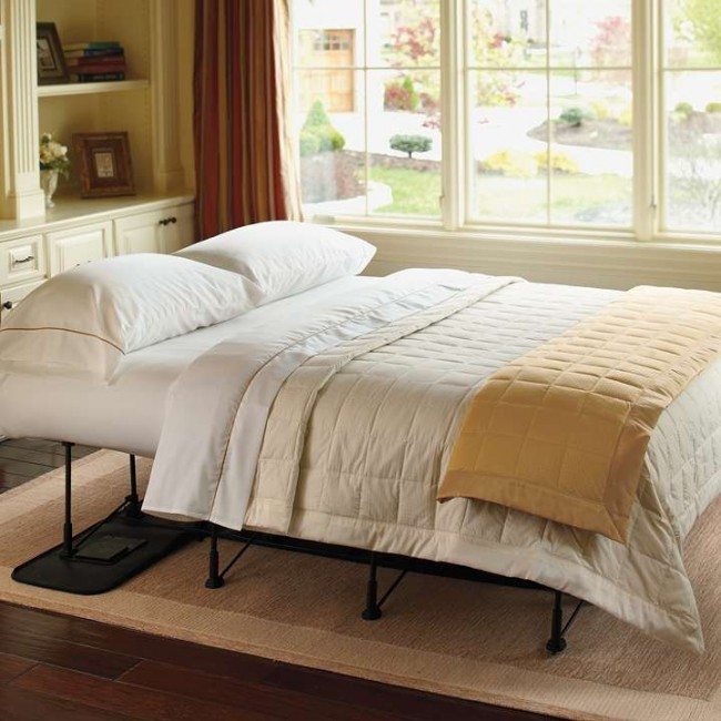 Кровать надувная односпальная – хорошая возможность быстро организовать достаточно комфортное спальное место