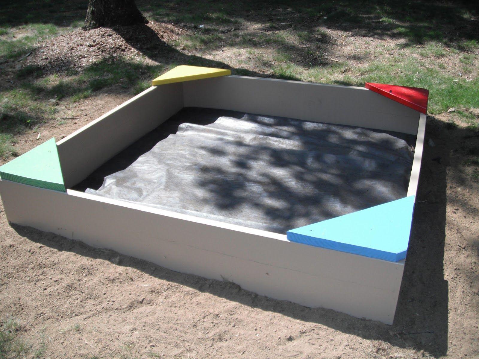 Как построить детскую песочницу своими руками 22