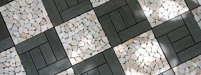 Садовый паркет лучше укладывать на трехсантиметровую цементную стяжку