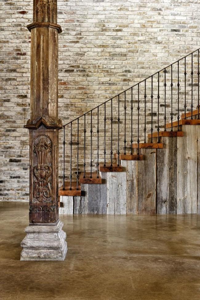 Рельефные колонны помогут усилить выразительность интерьера