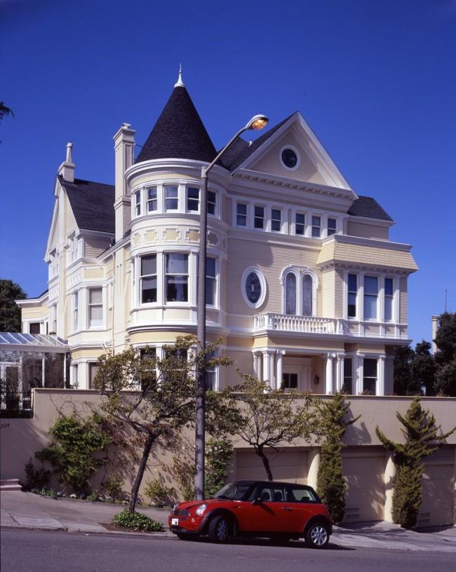 Коническая крыша подчеркнет классический стиль