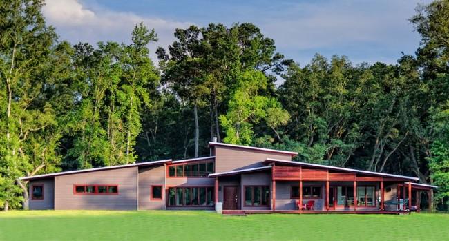 Односкатную крышу можно монтировать на зданиях с облегченным фундаментом