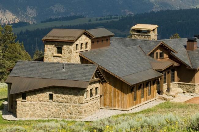 Мансардная крыша в стиле рустика