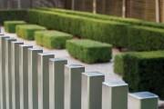 Фото 12 Заборы из металлического штакетника (44 фото): дачная классика в современной интерпретации