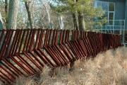 Фото 14 Заборы из металлического штакетника (44 фото): дачная классика в современной интерпретации