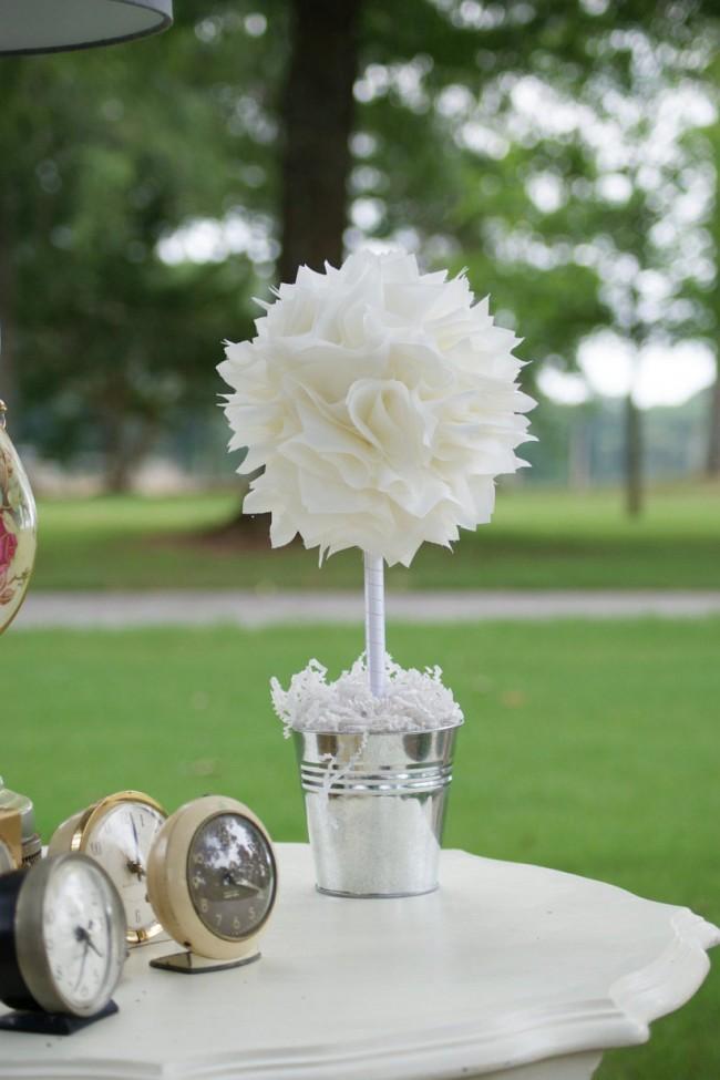 Как создать домашний топиарий. Воздушный белый топиарий в алюминиевом ведерке - симпатичный атрибут декора в стиле шебби-шик
