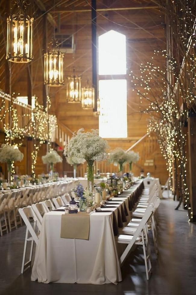 Оформление зала на свадьбу. Декор зала в прованском стиле с помощью сухих веточек, светодиодных гирлянд и подвесных фонариков