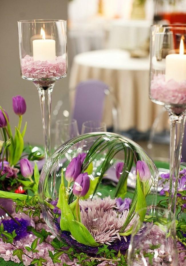 Изюминку в весенний декор свадебного зала и стола можно внести, использовав флорариумы или круглые аквариумы