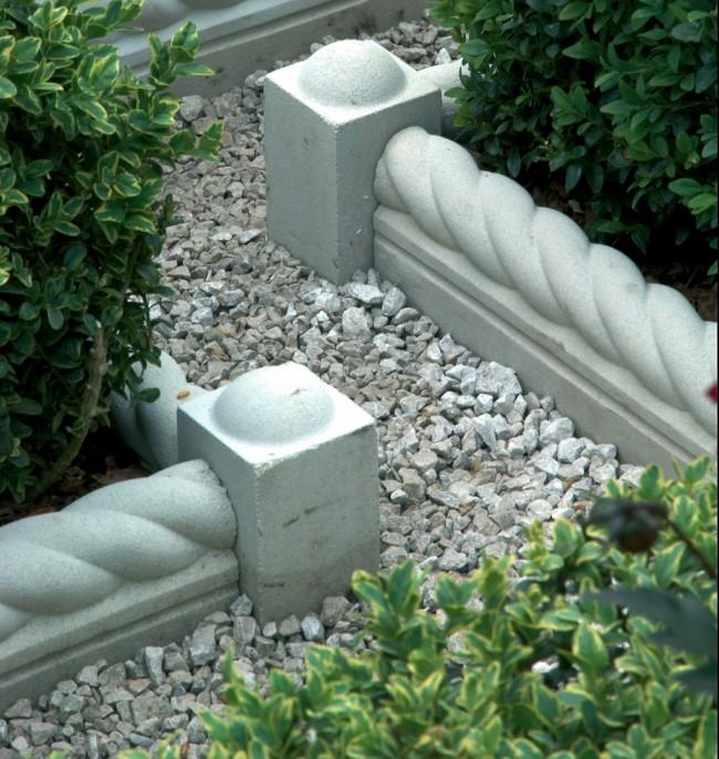 Ограждение для клумб своими руками. Для разделения низких клумб и садовых дорожек хорошо подходят декоративные монолитные блоки для тротуаров и каменных заборов