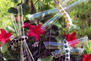 Фото 36 Поделки из пластиковых бутылок для сада (77 фото): простой и оригинальный декор