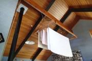 Фото 3 Потолочная сушилка для белья на балкон (45 фото): оптимальное решение бытовых вопросов