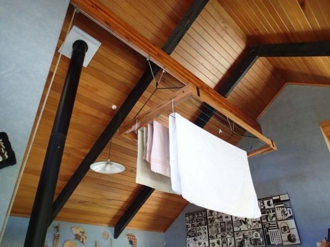 Потолочная сушилка для белья на балкон. Для классического интерьера подойдет подвесная сушилка для белья