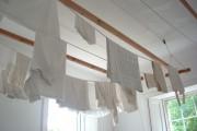 Фото 18 Потолочная сушилка для белья на балкон (45 фото): оптимальное решение бытовых вопросов