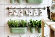 Фото 3 Рейлинги для кухни (50 фото): удобные «вешалки» для полезных мелочей