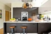 Фото 21 Рейлинги для кухни (50 фото): удобные «вешалки» для полезных мелочей