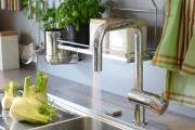 Фото 5 Рейлинги для кухни (50 фото): удобные «вешалки» для полезных мелочей