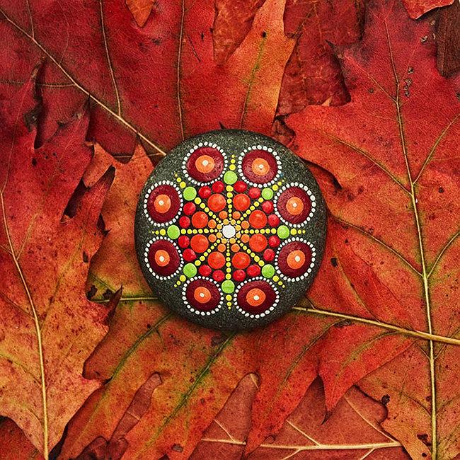 Украшения для сада своими руками. Осенний декор сада с помощью раскрашенных камушков